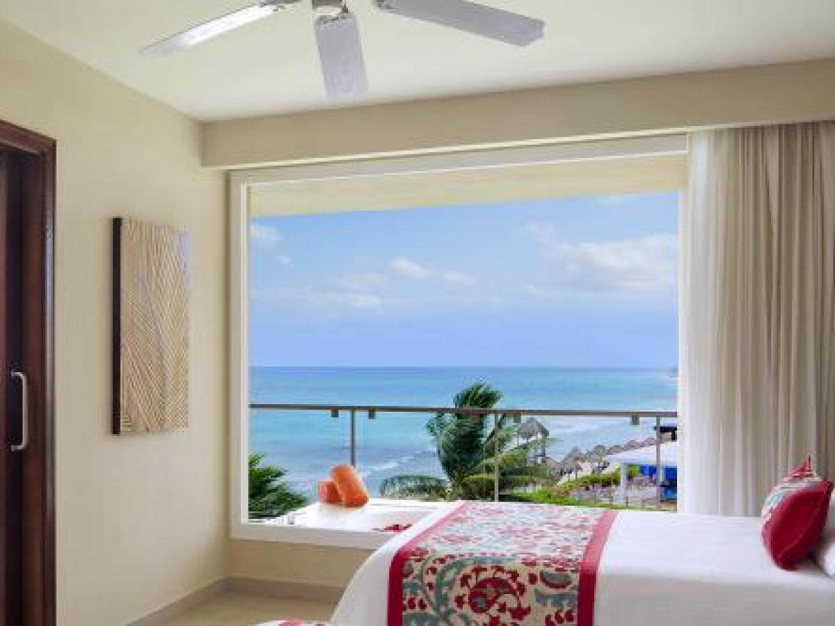 NOW Jade Riviera Cancun Preferred Club King Suite Ocean View