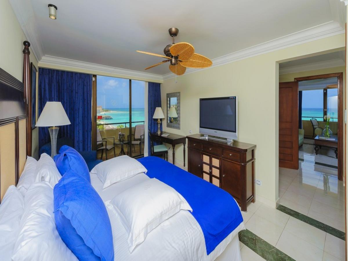 Barcelo Aruba - Grand Deluxe Romance Ocean View Room