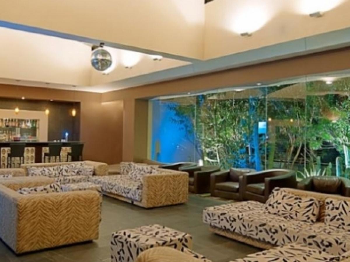 Barcelo Aruba -  Lobby Bar