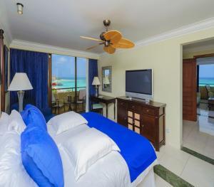 Barcelo Aruba - Grand Deluxe Romance Ocean View Room