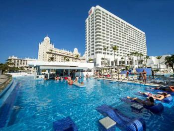 Riu Palace Antilles Aruba - Sun Loungers