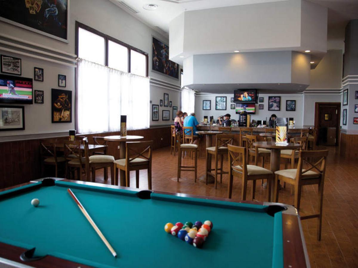Riu Palace Aruba - Sports Bar