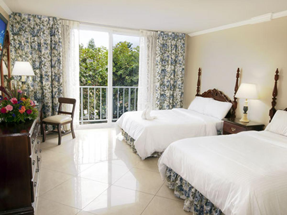 Breezes Resort Bahamas - Classic Room