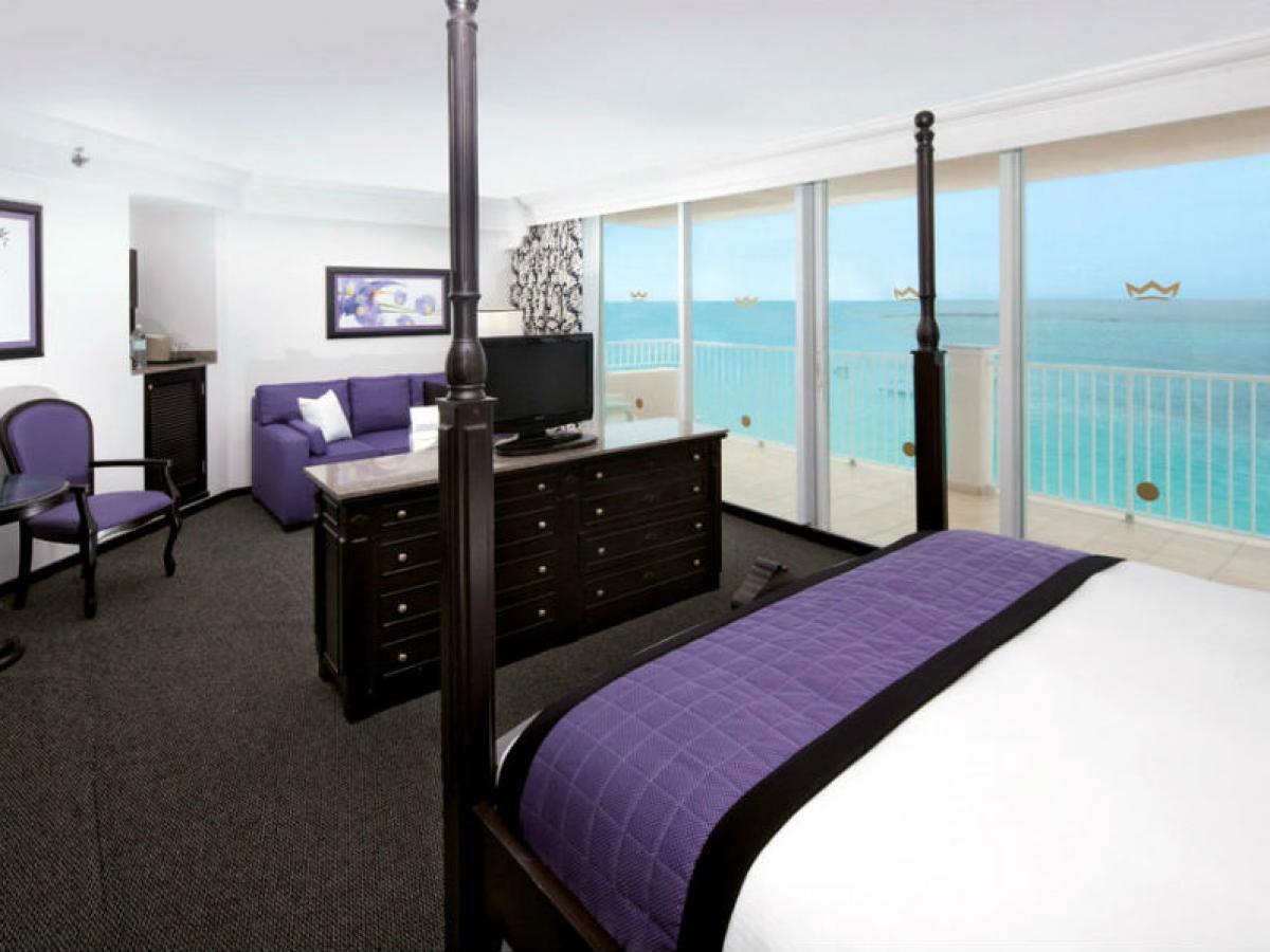 Hotel Riu Palace Paradise Island Bahamas - Junior Suite  Ocean Front