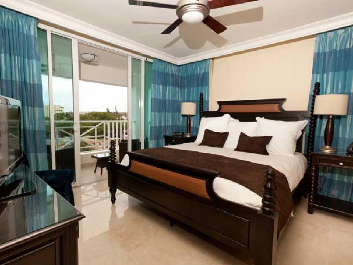 Ocean Two Resort - Hotel Room