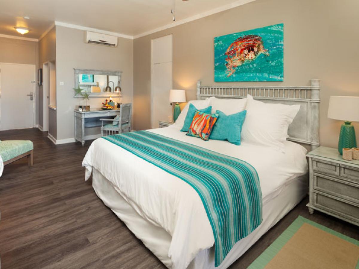 Sea Breeze Beach House - Standard Room
