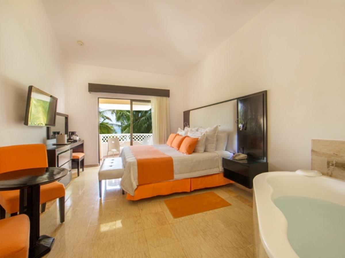 Viva Wyndham Dominicus Palace La Romana Dominican Republic - Couples Retreat