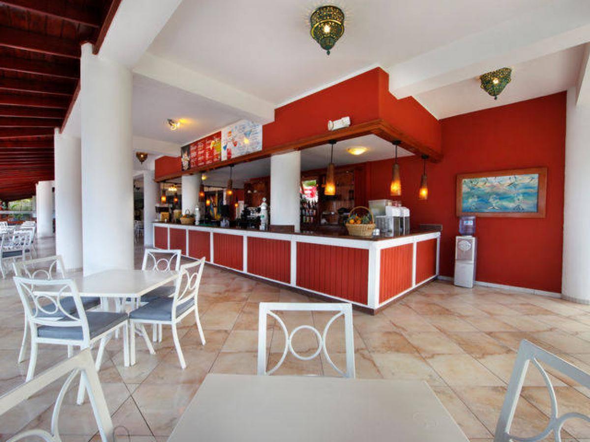 Viva Wyndham Tangerine Puerto Plata Dominican Republic - Main Bar