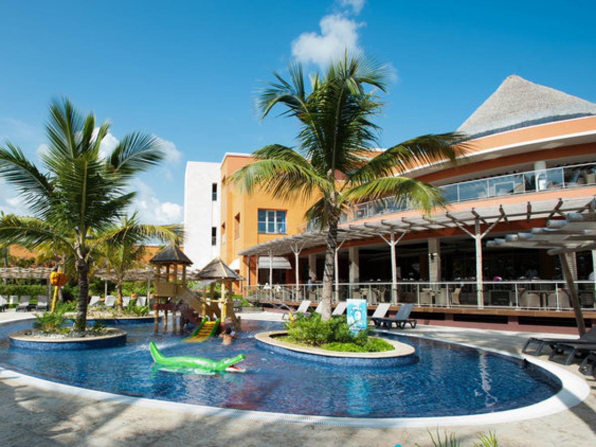 Barcelo Bavaro Palace Deluxe Punta Cana Dominican Republic - Bar Las Olas