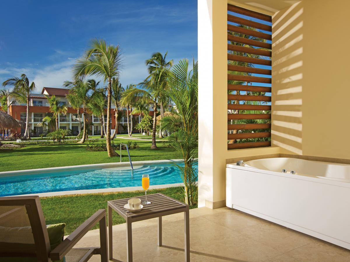 Punta Cana Breathless ALLURE JUNIOR SUITE Swim Up Terrace