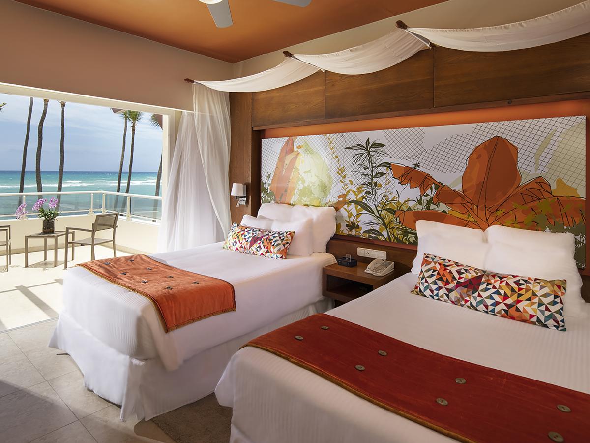 Punta Cana Breathless  JrSuite XhaleClub Mastesuite Oceanfront Double