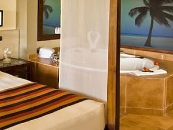 Golf & Casino Resort Punta Cana - Privileged Suite Jacuzzi
