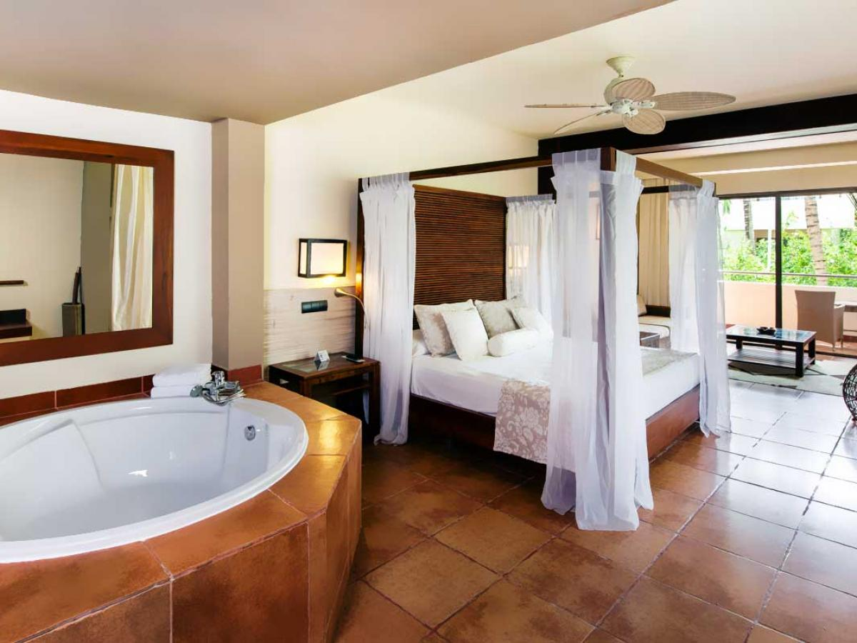 Catalonia Royal Bavaro Punta Cana - Deluxe Junior Suite