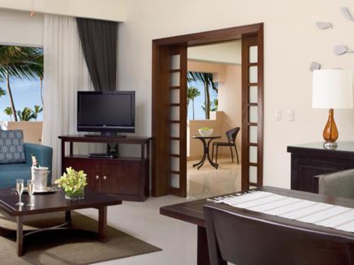 Dreanm Palm Beach Punta Cana - Preferred Club Honeymoon Suite wi