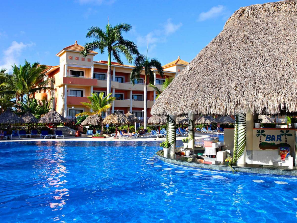 nd Bahia Principe Turquesa Punta Cana - Swim Up Pool Bar
