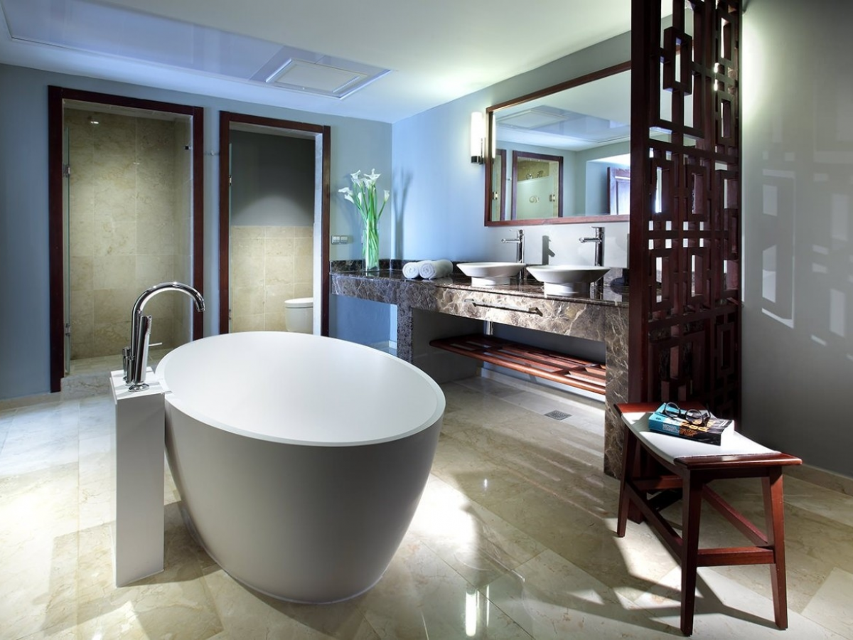 Grand Palladium Bavaro Rooftop Terrance bathroom