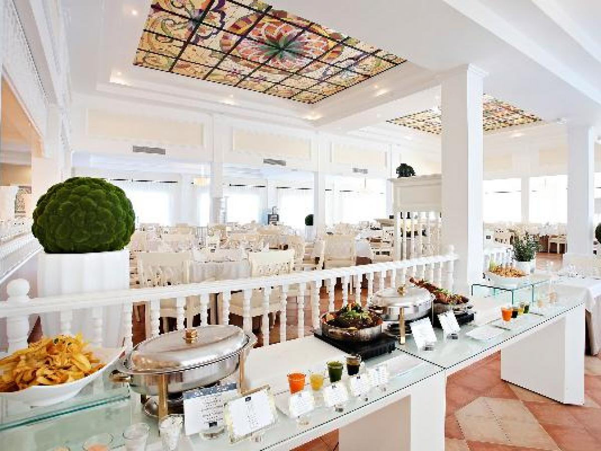 Luxury Bahia Principe Ambar Blue - Buffet Restaurant