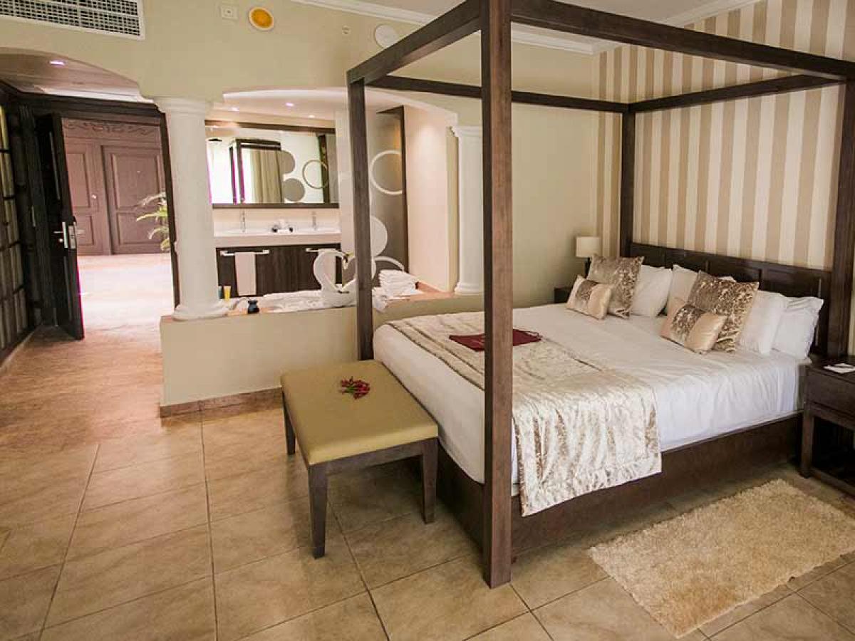 Majestic Colonial Resort Punta Cana- Junior Suite Jacuzzi