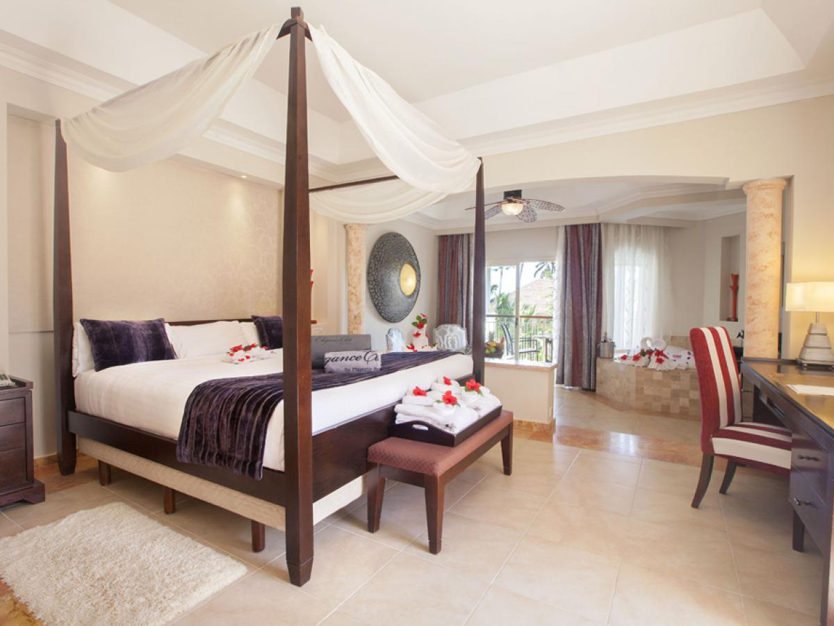 Majestic Elegance Punta Cana Dominican Republic - Majestic Junior Suite Swim Up