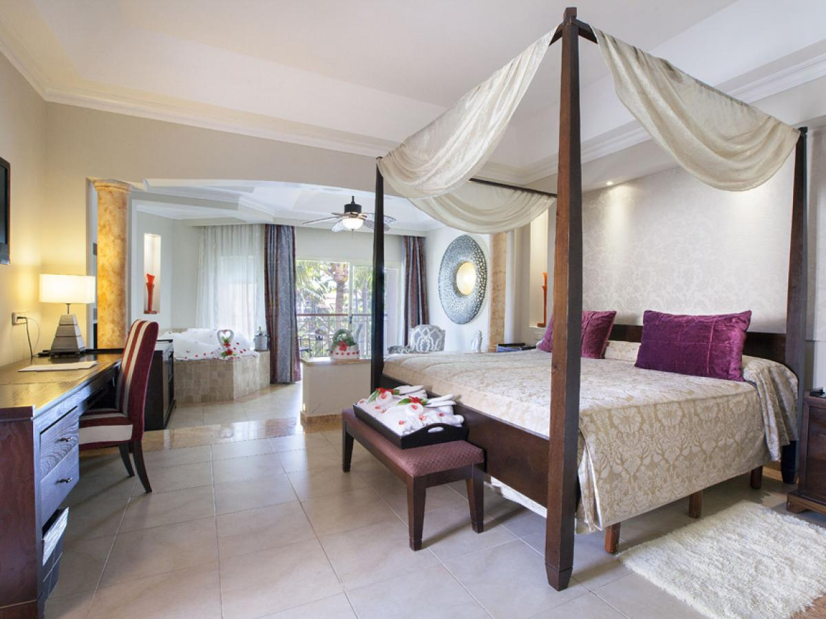 Majestic Elegance Punta Cana Dominican Republic - Junior Suite with Jacuzzi