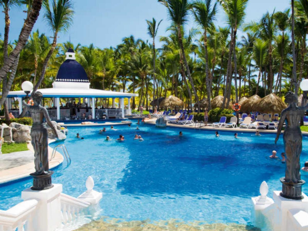 Riu Bambu Punta Cana Dominican Republic - Swim Up bar