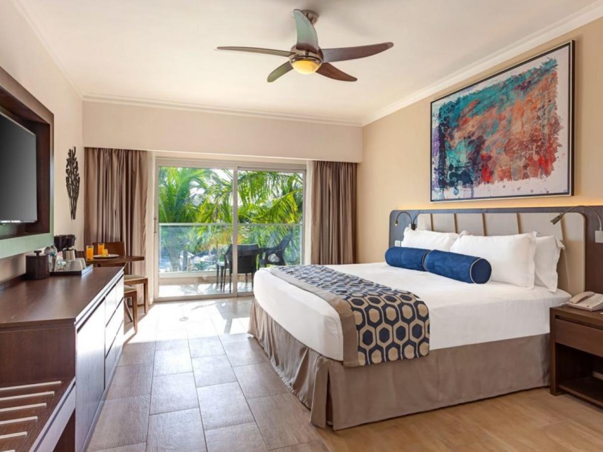 Royalton Splash Punta Cana Luxury Room Standard Deluxe One Bed Suite