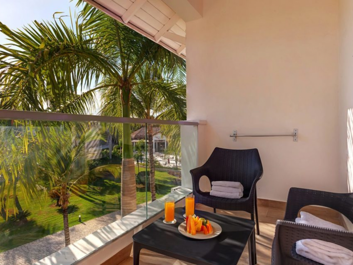 Royalton Splash Punta Cana Luxury Room Standard Deluxe One Bed Suite Balcony\