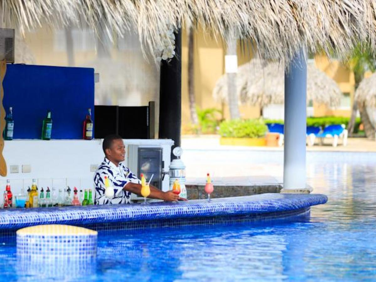 Sirenis Punta Cana Resort Casino & Aquagames Dominican Republic - Swim Up Bar