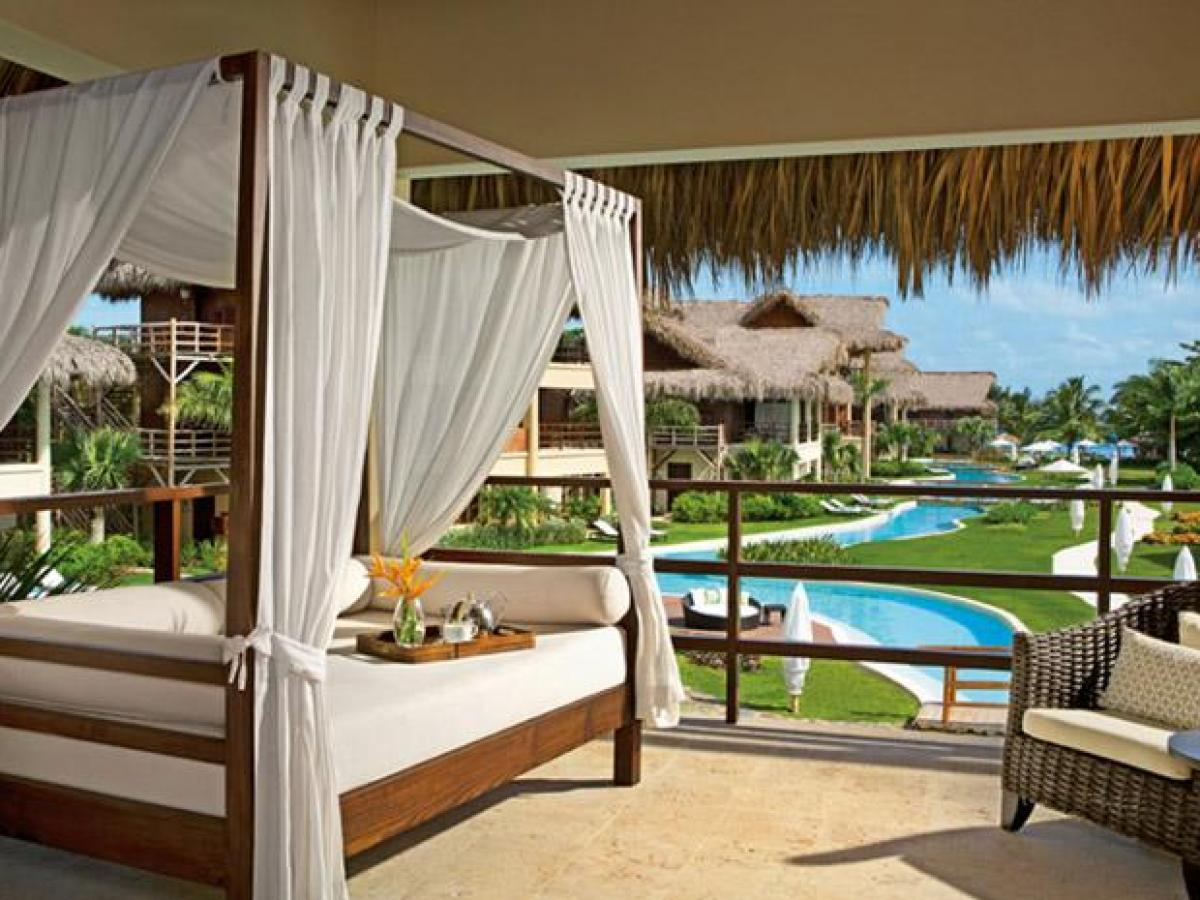 Zoetry Aqua Punta Cana - Romantic Junior Suite Pool View