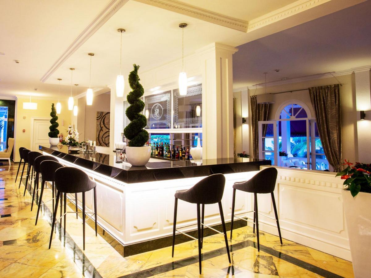 Luxury Bahia Principe Samana Dominican Republic - Lobby Bar