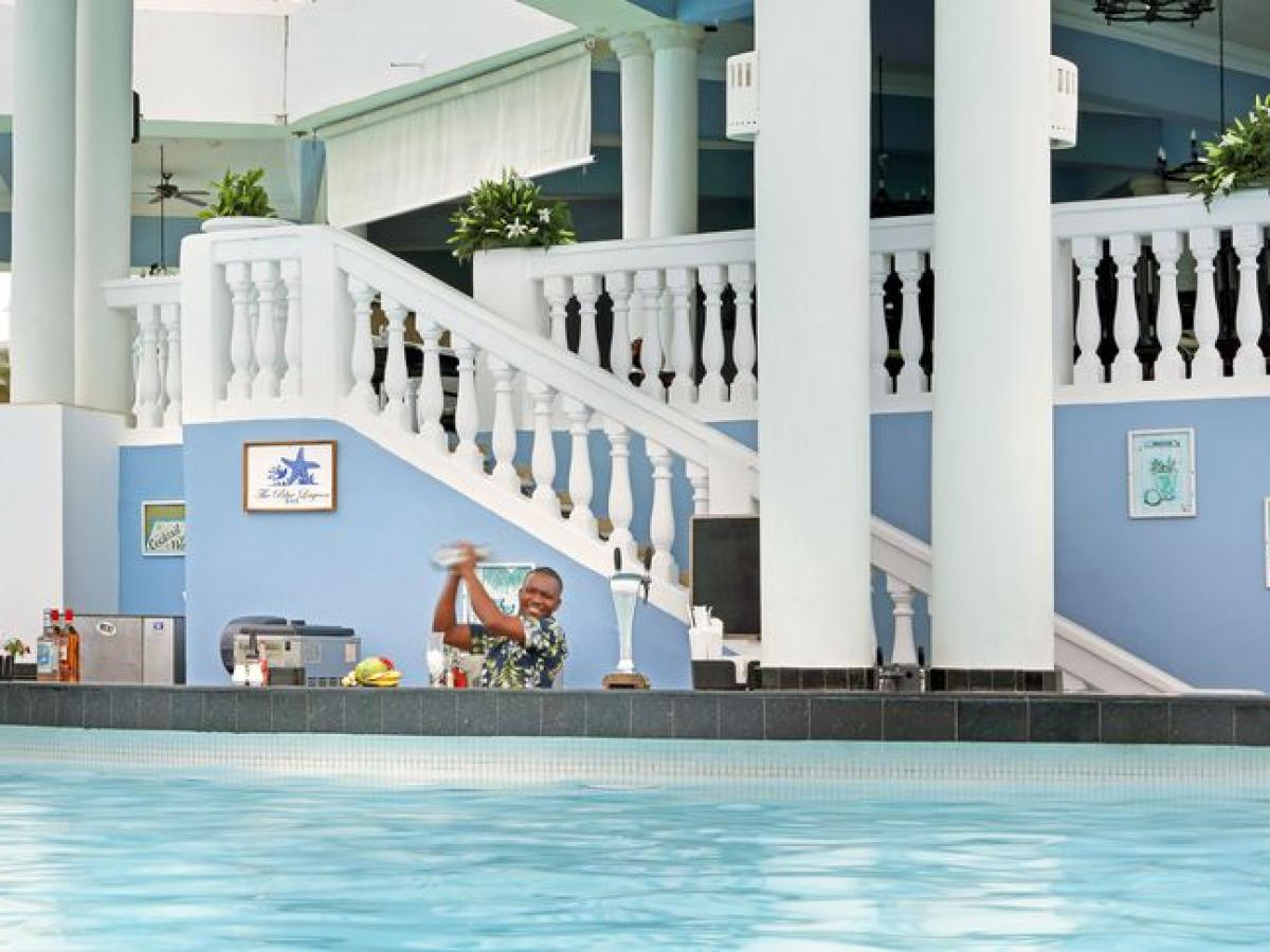 Grand Palladium Jamaica Resort & Spa Montego Bay - Blue Lagoon Swim Up Ba