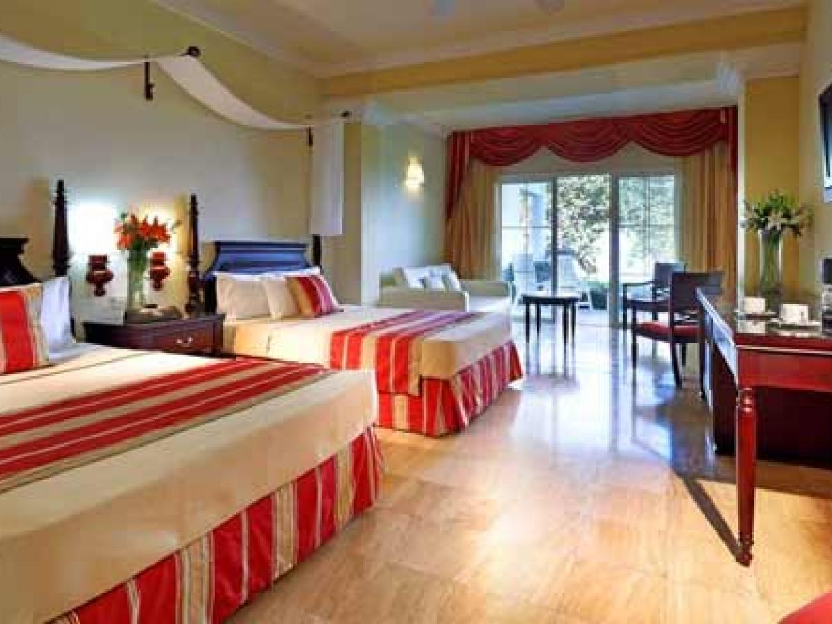 Grand Palladium Resort & Spa Montego Bay Jamaica - Junior Suite