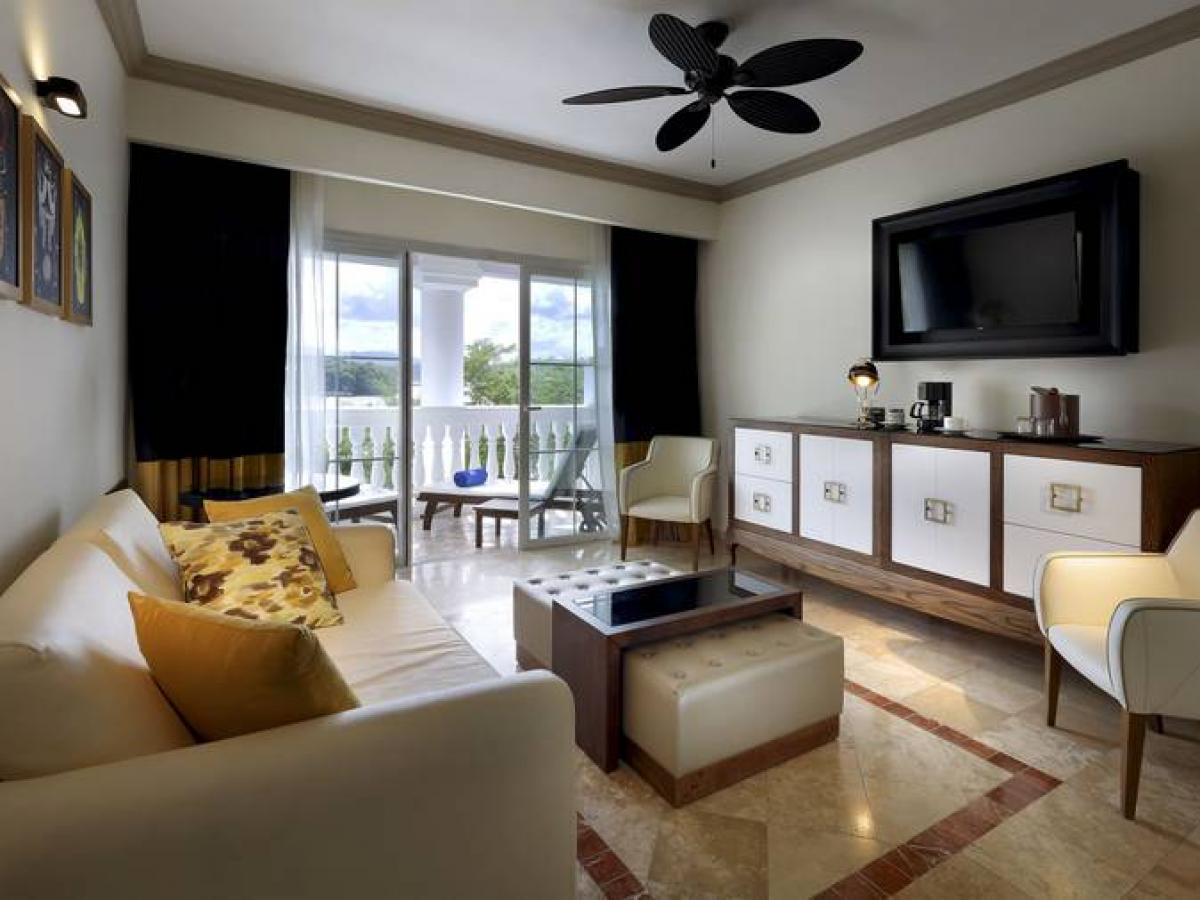 Grand Palladium Lady Hamilton Jamaica- One Bedroom Suite