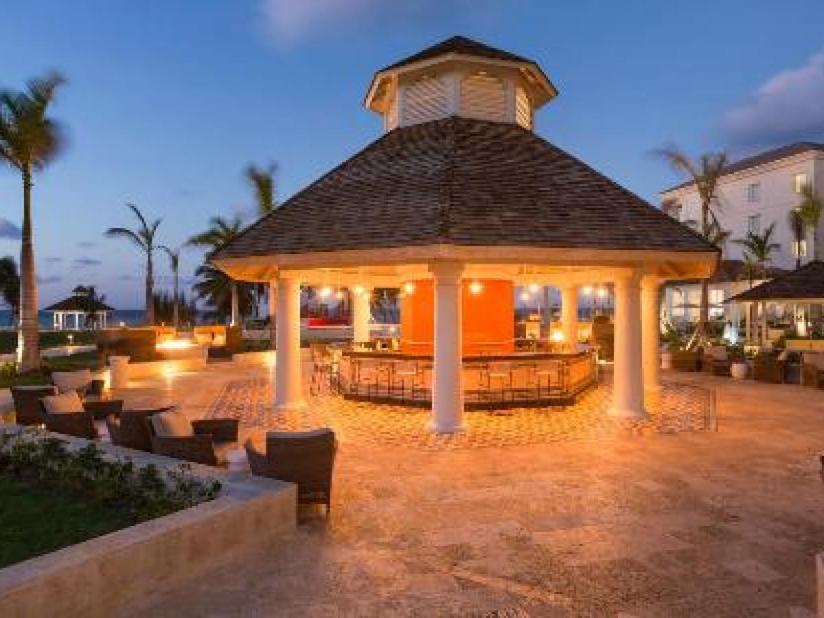 Hyatt Zilara Rose Hall Montego Bay Jamaica - Shakerz Outdoor Ba