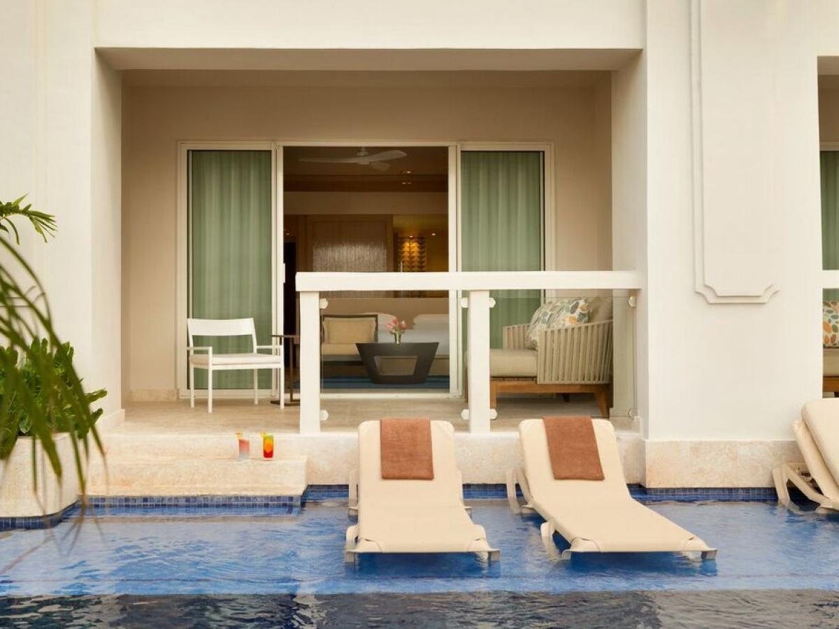 Hyatt Zilara Rose Hall Montego Bay Jamaica - Zilara Swim Up Juni