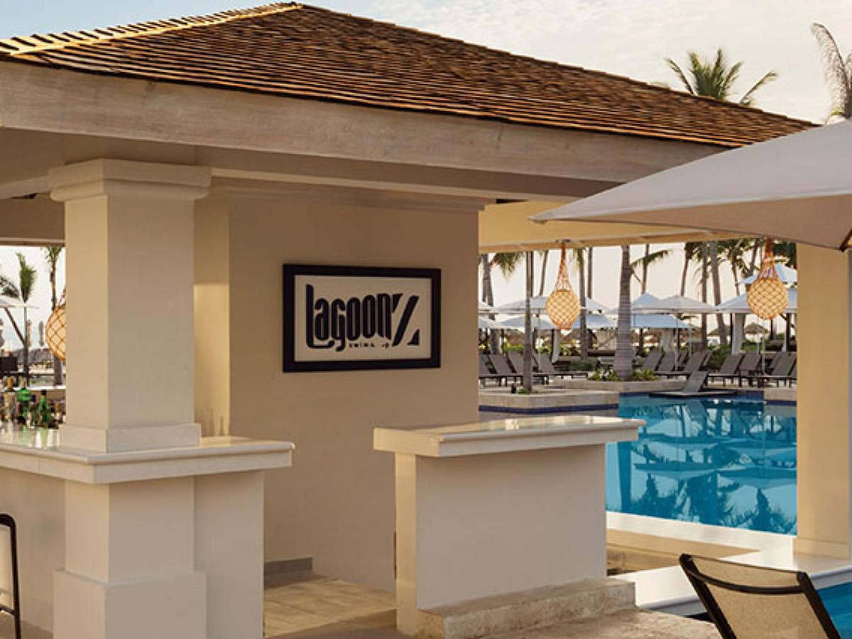 Hyatt Ziva Rose Hall Montego Bay Jamaica - Lagoonz Swim Up Bar