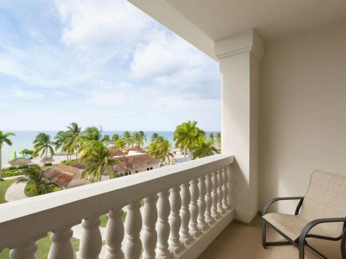 Hyatt Ziva Rose Hall Montego Bay Jamaica - Ziva Ocean Front Juni
