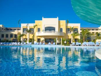 Iberostar Rose Hall Beach Montego Bay Jamaica - Resort Pool