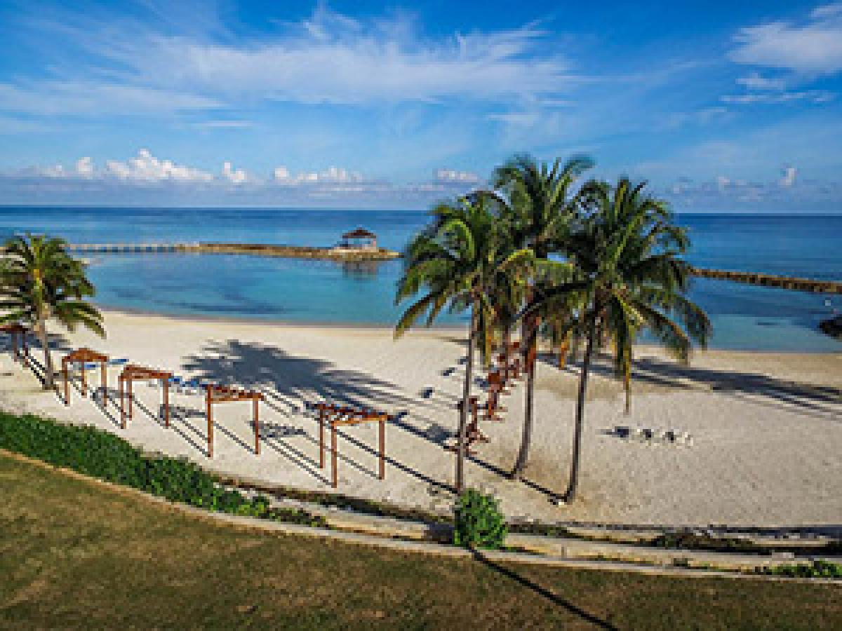 Jewel Grand Montego Bay Resort & Spa - Beach