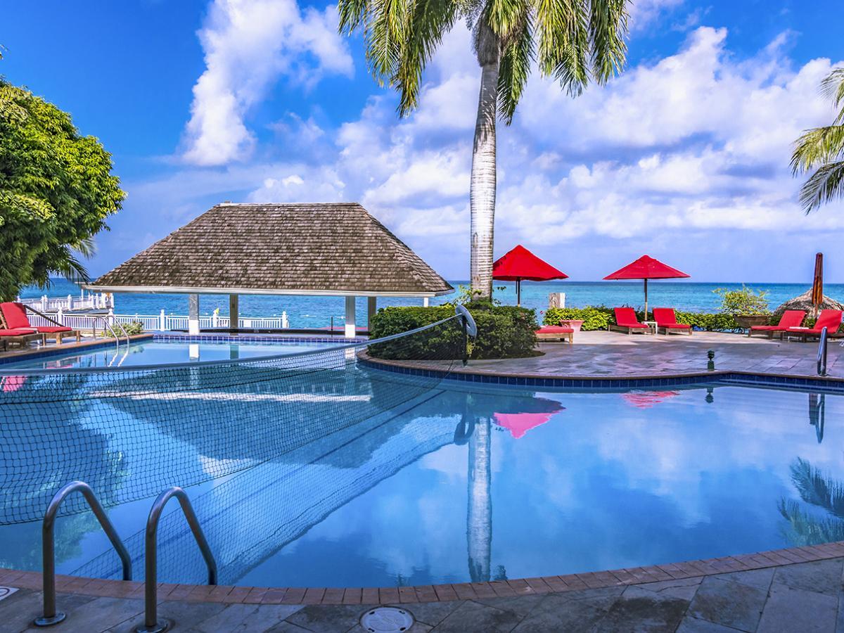 Decameron Montego Bay Jamaica - Swim Up Pool Bar