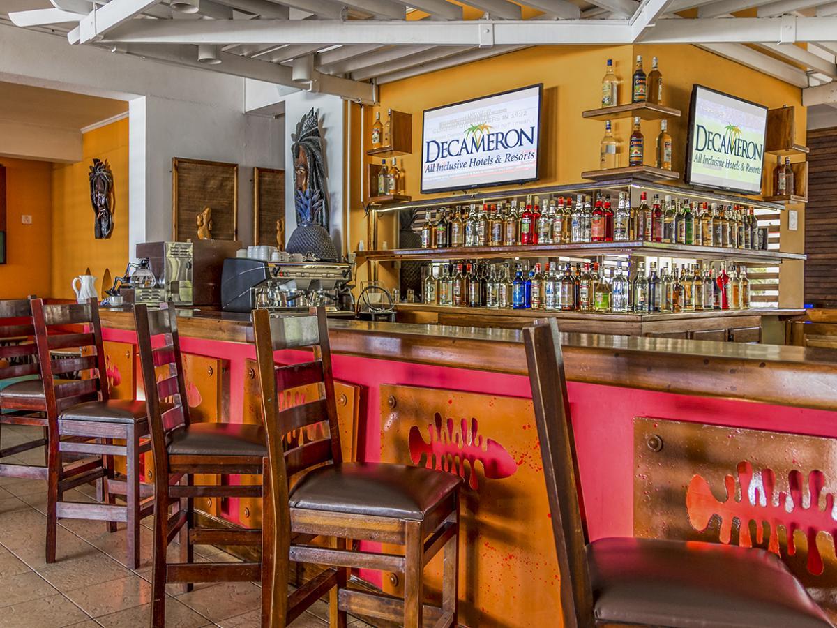 Royal Decameron Montego Bay Jamaica - Lobby  Bar