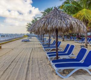 Royal Decameron Montego Bay Jamaica - Beach Lounge Area