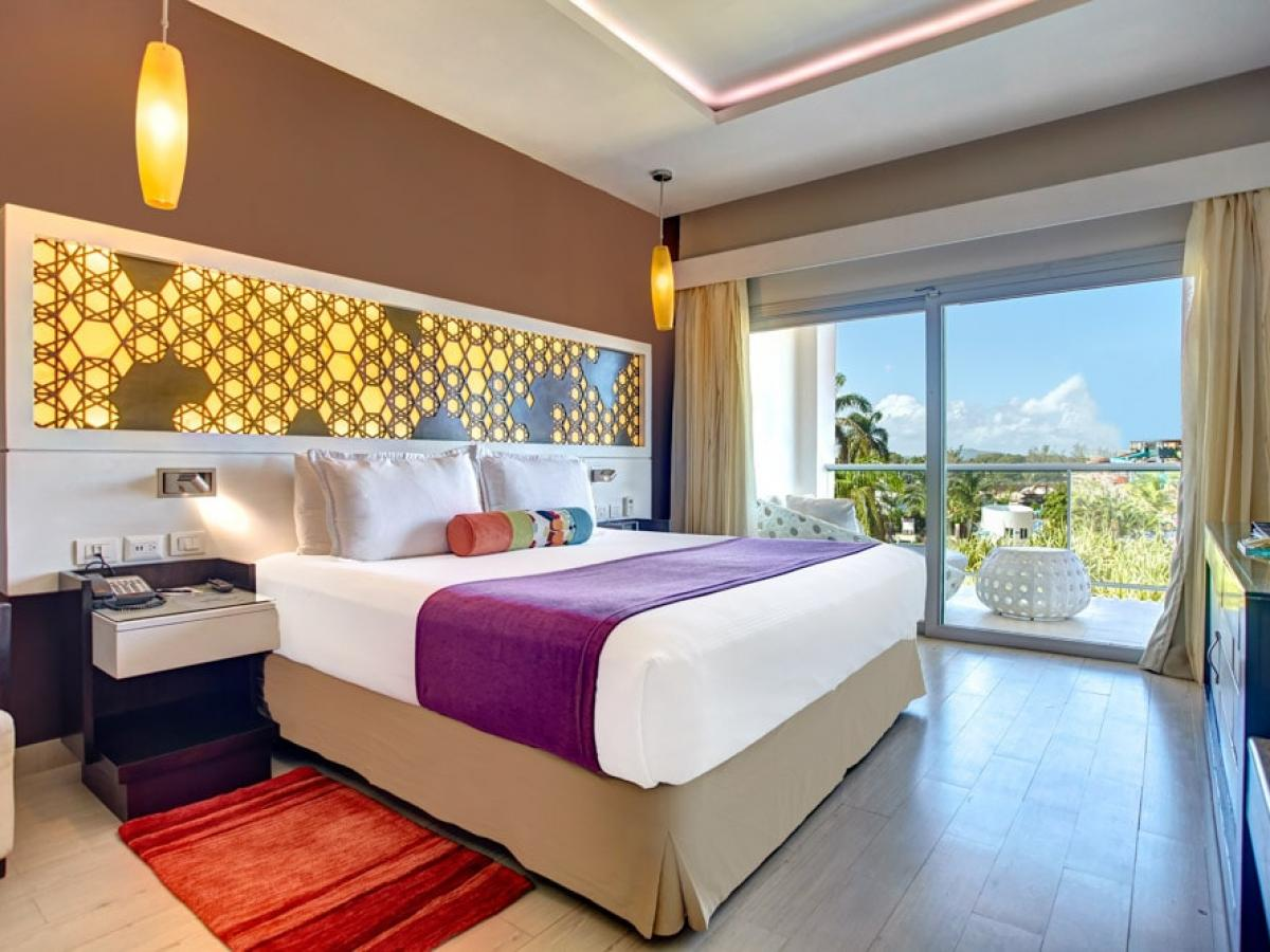 Royalton White Sands Diamond Club Presidential Ocean View One Be