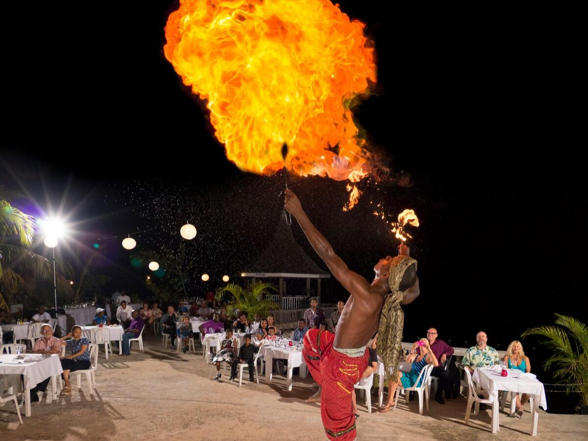 SeaGarden Beach Resort Jamaica - Night Life