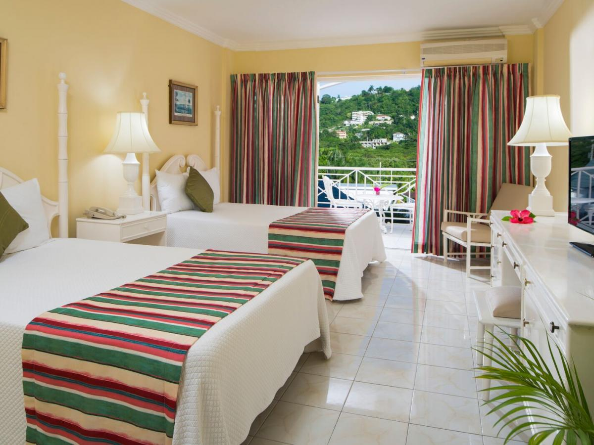 SeaGarden Beach Resort Jamaica - Deluxe Garden View Room