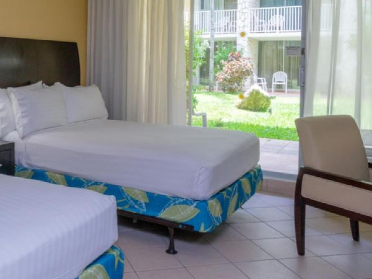 Holiday Inn Resort Montego Bay Jamaica - Rosehall Standard Room