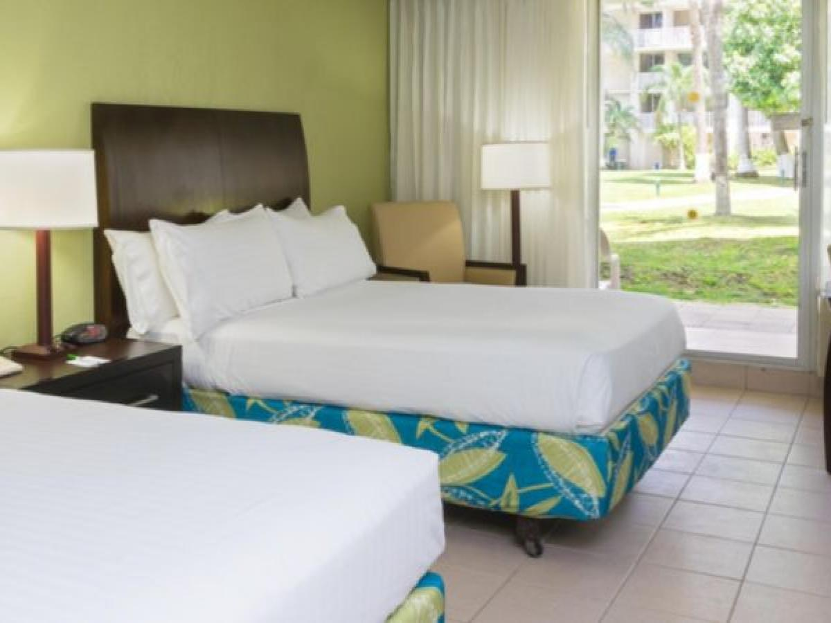 Holiday Inn Resort Montego Bay Jamaica -  Deluxe Room