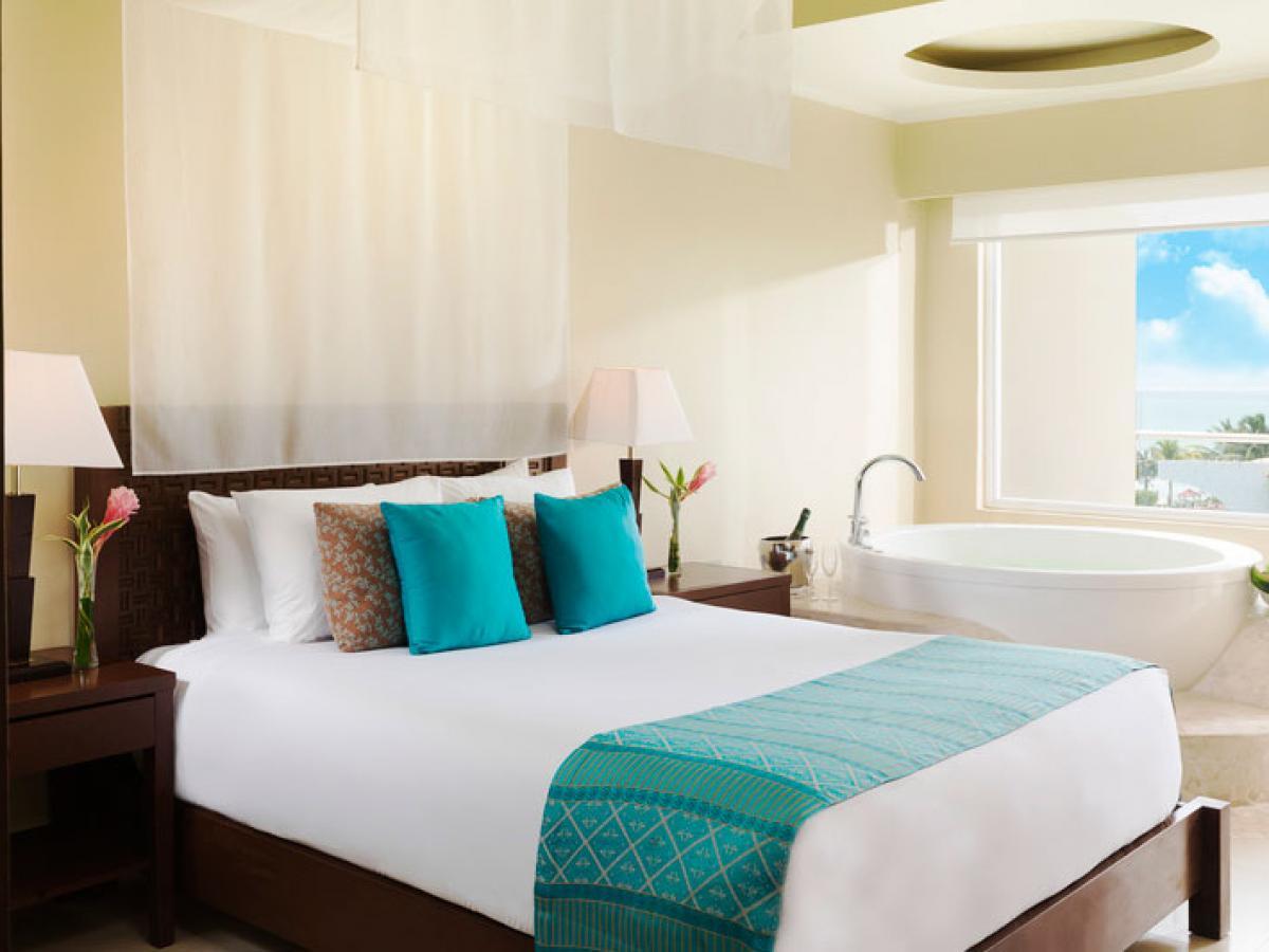 Azul Sensatori Negril Jamaica - Premium Ocean View Suite