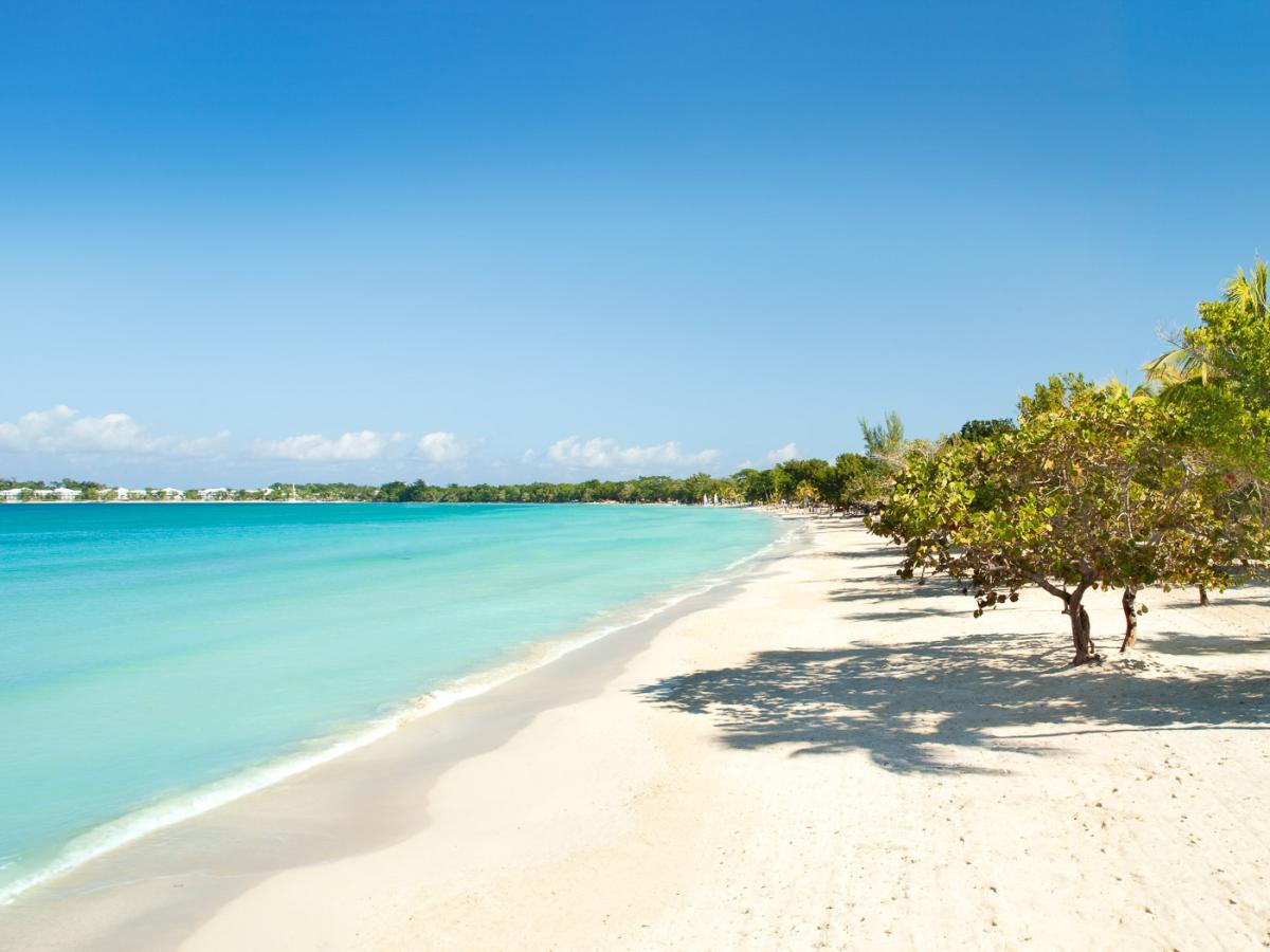 Couples Negril Jamaica - Beach