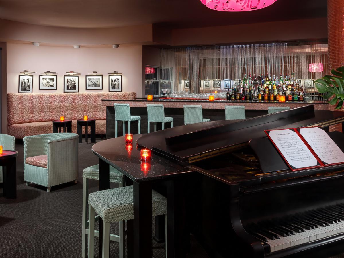 Couples Negril Jamaica - Piano Bar